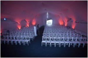 Mesas e Cadeiras evento Corporativo
